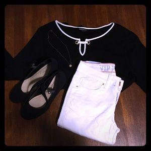Ellen Tracy Long Sleeve Black Knit Blouse 🖤